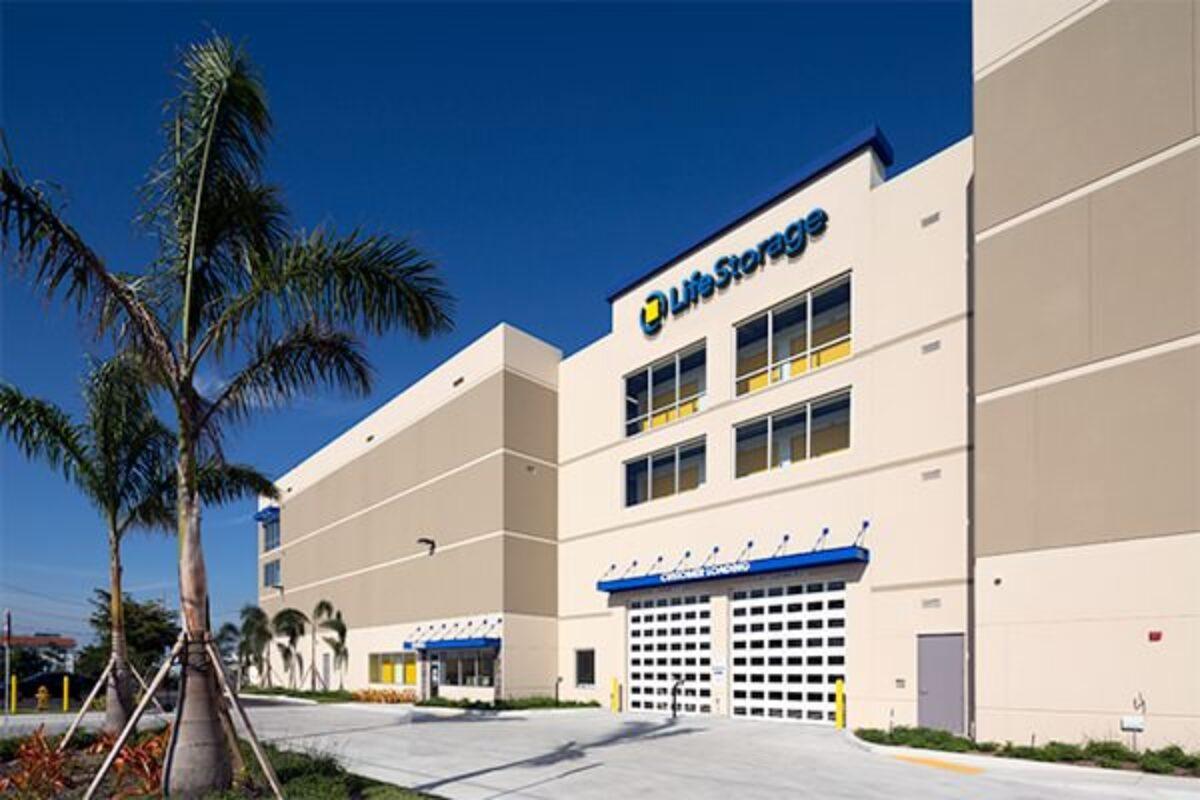 Life Storage, North Miami